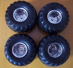 1 25 Scale Bigfoot Monster Truck Goodyear Tires and Wheels and Wheel Backs