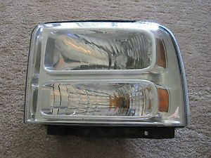 05 06 07 Ford Super Duty F250 LH Drivers Side Factory Headlight Assembly