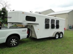 2009 Trails West Adventure 3 Horse Slant Trailer Generator Included