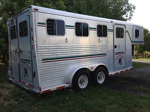 1997 3 Slant Load Horse Trailer Clean