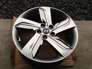 "2013 Hyundai Veloster Factory 18"" Wheel with Inserts"