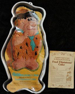 Wilton Fred Flintstone Standing Cake Pan (502 186, 1975) Kitchen & Dining