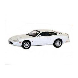 Jaguar XKR Coupe White 1/43 Diecast Model Car Autoart Toys & Games